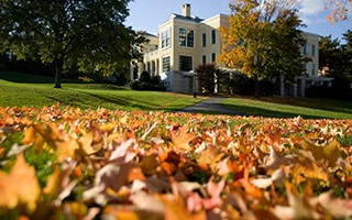 campus_ctr_fall_leaves_320x200